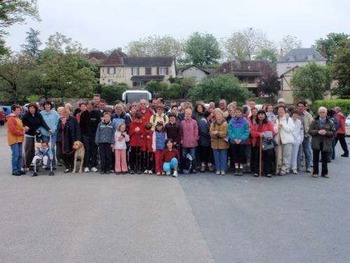 le groupe de randonneurs au départ de Bétaille